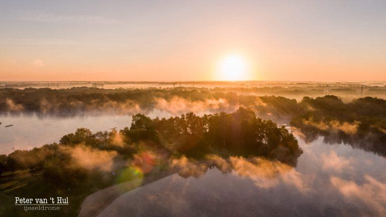 Wijthmenerplas Zonsopkomst luchtfoto drone