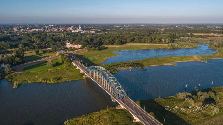 IJsselbrug Zwolle luchtfoto drone