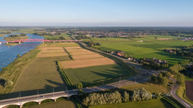 Hanzeboog Hattem luchtfoto drone