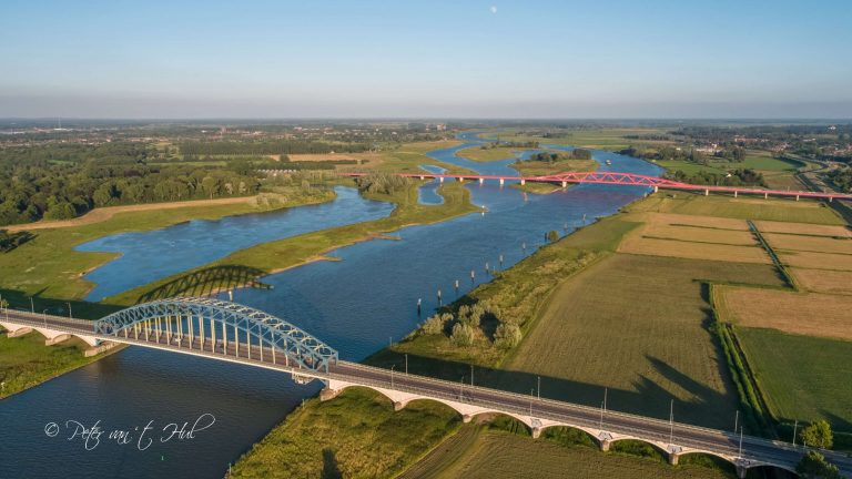 IJsselbrug Hanzeboog Zwolle luchtfoto drone